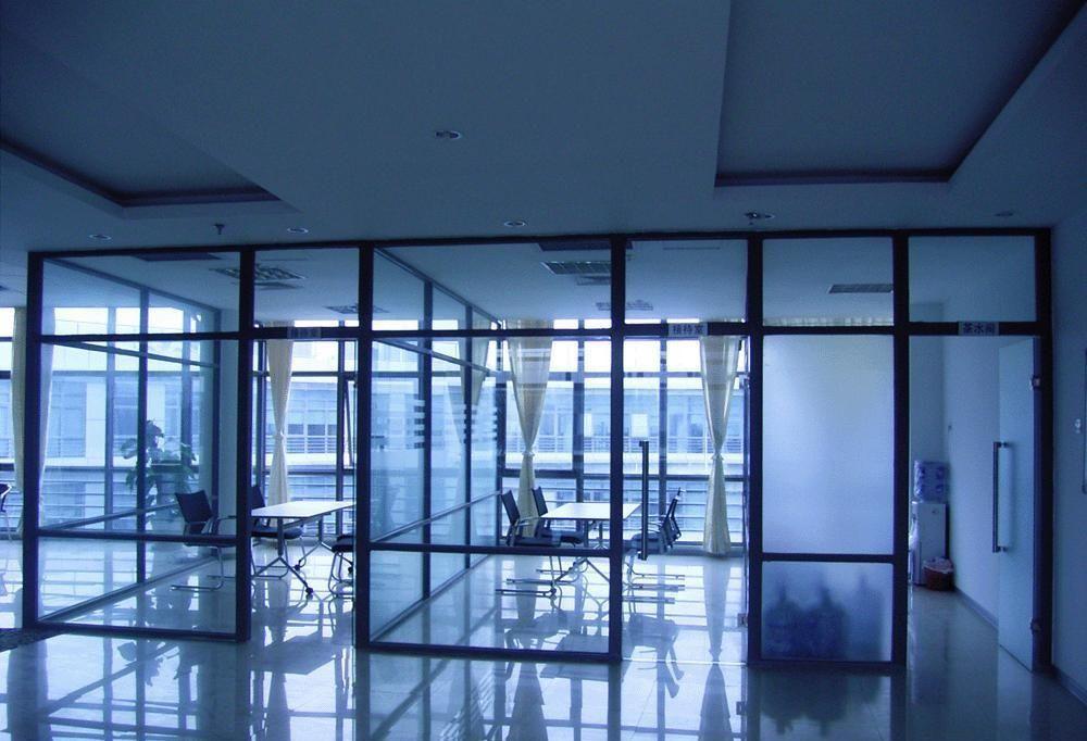 双层钢化玻璃隔断墙